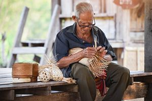 asia-life-old-man-uncle-grandfather-working-in-home.jpg