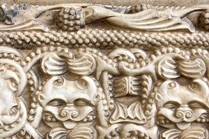 detail-in-romanesque-church,-moissac.jpg