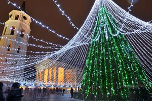 see-vilnius-at-night-on-our-christmas-departure.jpg
