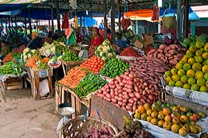 Fruit-market-in-Brastagi.jpg