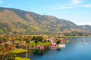 Lake-Toba-and-Samosir-island-on-Sumatra.jpg