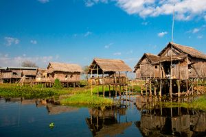 Houses-at-Inle-lake,-Myanmar.jpg