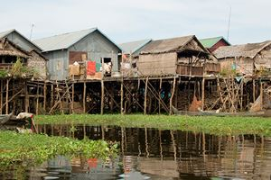 floating-village-of-Kampong-Phluk-on-the-Tonle-Sap-lake.jpg