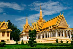 Royal-Palace-in-Phnom-Penh.jpg