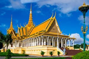 The-royal-palace-in-Cambodias-capital-Phnom-Penh.jpg
