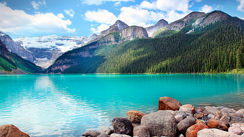 Beautiful-Lake-Louise-located-in-the-Banff-National-Park,-Alberta,-Canada.jpg