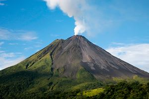 Arenal-volcano-in-costa-rica-with-a-plume-of-smoke.jpg