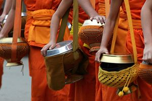monks-in-Luang-prabang.jpg