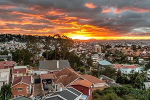 Sunset-over-Antananarivo.jpg