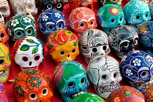 Skulls-for-Sale-at-Chichen-Itza-(dead).jpg