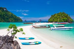 boats-and-the-clear-sea-Phi-Phi-south-of-Thailand.jpg