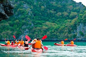Traveler-kayaking-in-the-Gulf-of-Thailand.jpg