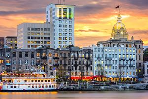riverfront-skyline-in-Savannah,-Georgia,-USA.jpg