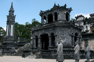 Thien-Dinh-Palace-(UNESCO)-in-Hue.jpg